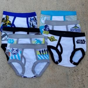 Star Wars toddler boys briefs, unused 2T- 3T